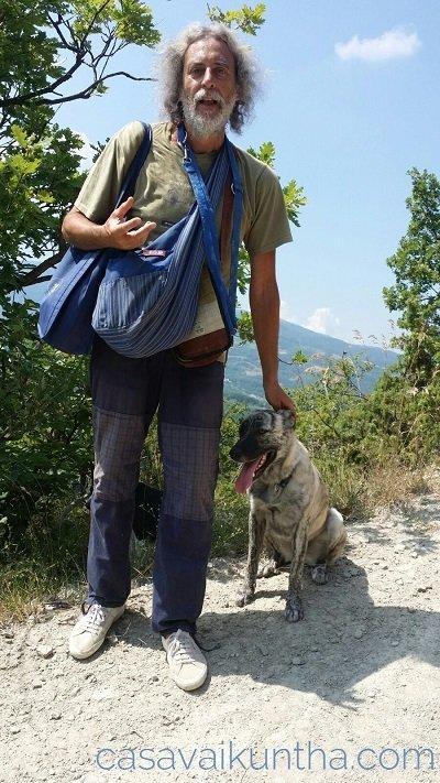 cane e padrone razza meticcia femmina